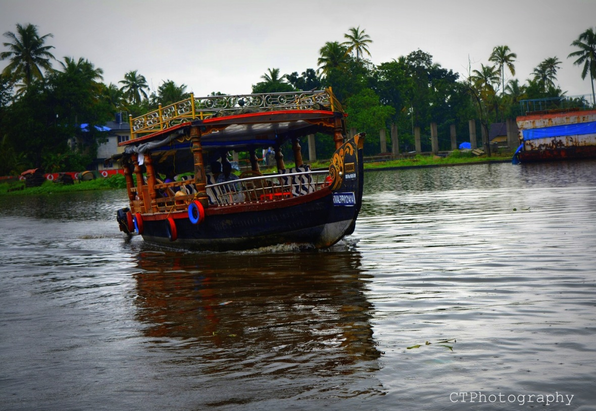 boat ride in alleppey